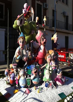 Monumento Falla Infantil 2013 - Lema: PERQUE SEMPRE HI HA UNA PRIMERA VEGADA - Autor: PACO TORRES
