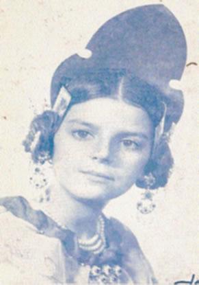 NURIA CURSA MANCHANO - Fallera Mayor Infantil 1976