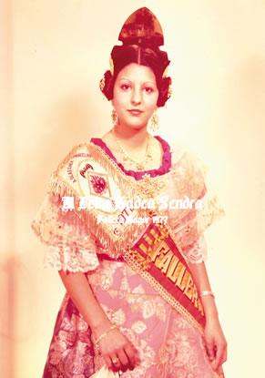 Mª DELMI GADEA SENDRA - Fallera Mayor 1977